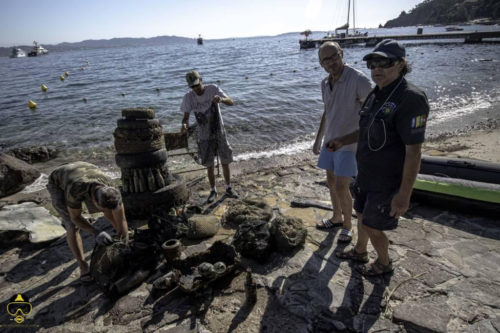 l'équipe de operation mer propre